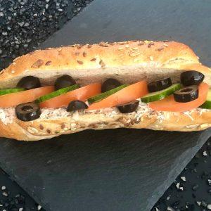 Tonhalkrémes-zárt-szendvics